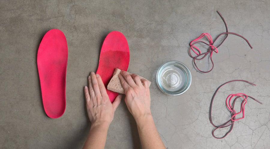 cách vệ sinh giày jordan 1